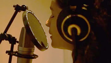 Alia Bhatt Sings Highway Song