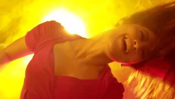 Hiphop Tamizha - Club le Mabbu le (Official Music Video)