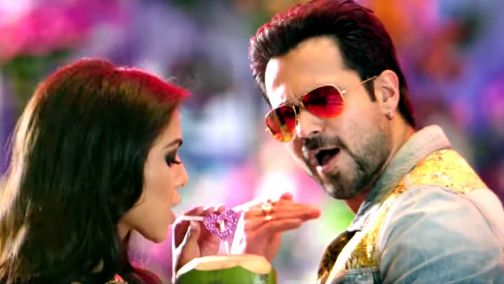 VIDEO: Flip Your Collar Back - Raja Natwarlal