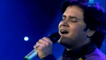 Javed Ali Live - Jab Tak Hai Jaan - SaReGaMaPa 2012 (a tribute to Yashji)