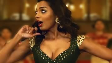 Media Se Lyrics & Video - SBAG Returns Item Song | Mugdha Godse