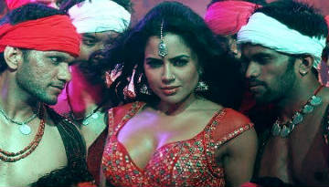 KUNDA KHOL VIDEO - SAMEERA REDDY | Chakravyuh (2012)