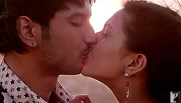 GULABI video song - SHUDDH DESI ROMANCE | Sushant Singh, Vaani Kapoor